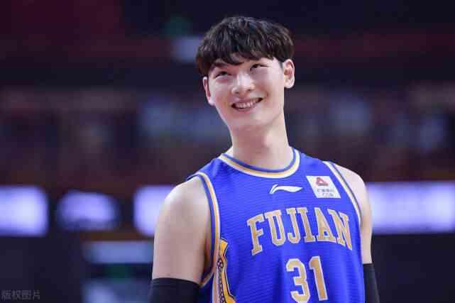 2016年选秀大会上,王哲林第57顺位被灰熊队选中,为何会拒绝NBA?