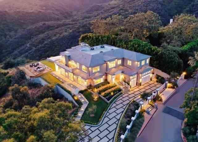 1700万!小卡购买千万豪宅,面积1115平方,合同薪资1.8亿