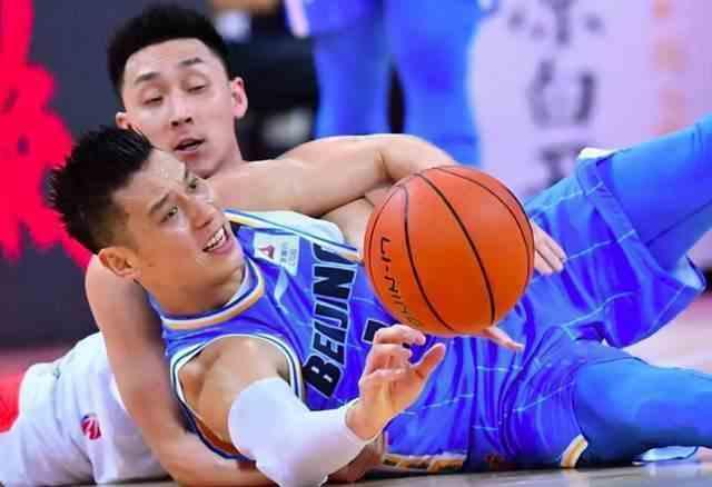 重返NBA无望?曝北京男篮力劝林书豪回归,组三外援又成冲冠大热吗