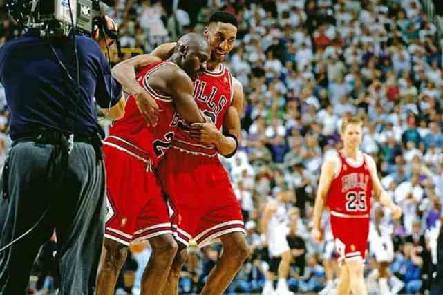 NBA被称为经典的画面!乔丹艾弗森两度上榜,最后一个让众人流泪