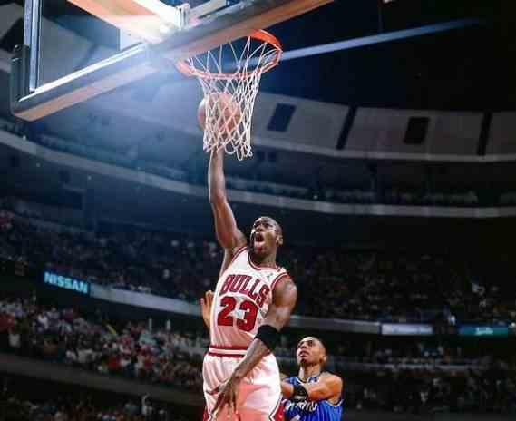 库里是三分王,那谁是21世纪NBA中投王呢?