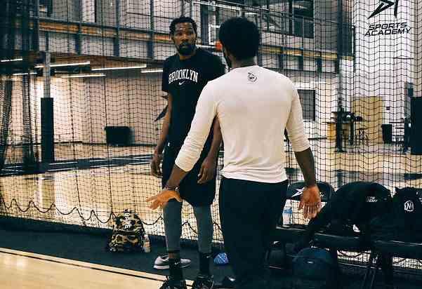 杜兰特和欧文训练!篮网总经理8个字评价,哈登可能真来不了?