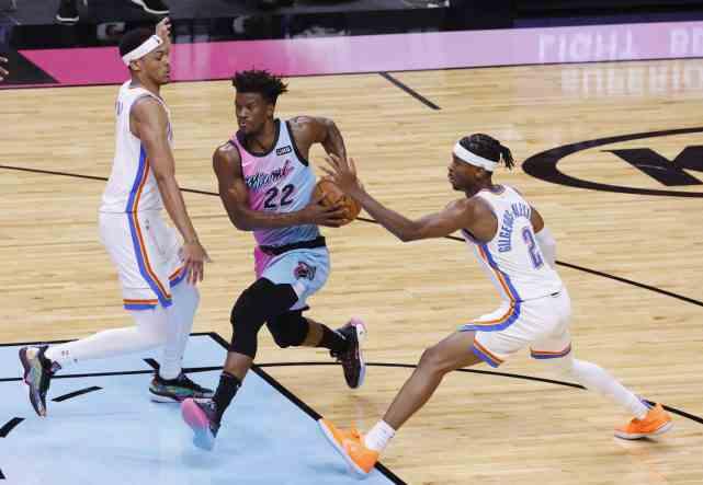 NBA2月23日比赛前瞻:近4场输3场单核詹姆斯独木难支,湖人负奇才?