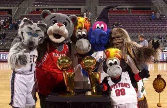 最贱的NBA吉祥物,滑稽之下的辛酸不易