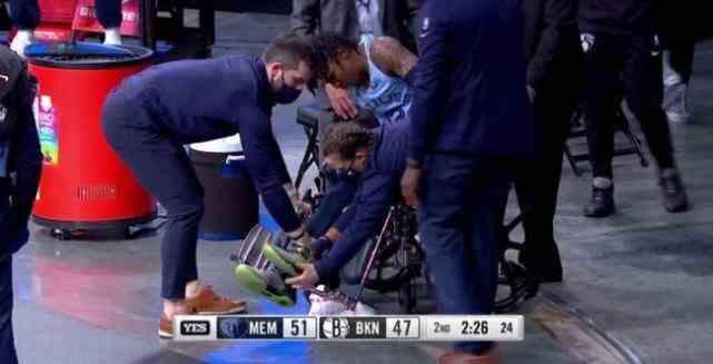 一天伤一人?灰熊当家后卫坐轮椅出场,NBA密集赛程引争议
