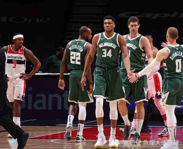NBA最新排名!老詹一数据历史唯一,欧文谈最后一防,泰伦卢评价小卡