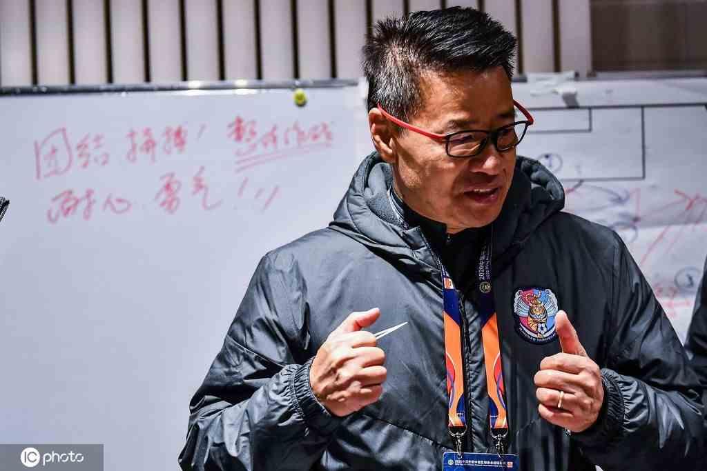 吴金贵:中国足球的问题要靠中国人解决 本土教练应承担更多责任