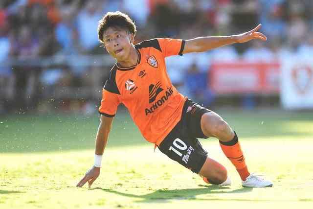 数据揭露中日足球差距!日本20岁小将闪耀澳超 中国球员在干吗