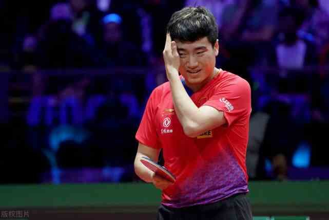 爆大冷!国乒世界冠军先被0-3横扫又被逆转,教练都看不下去了