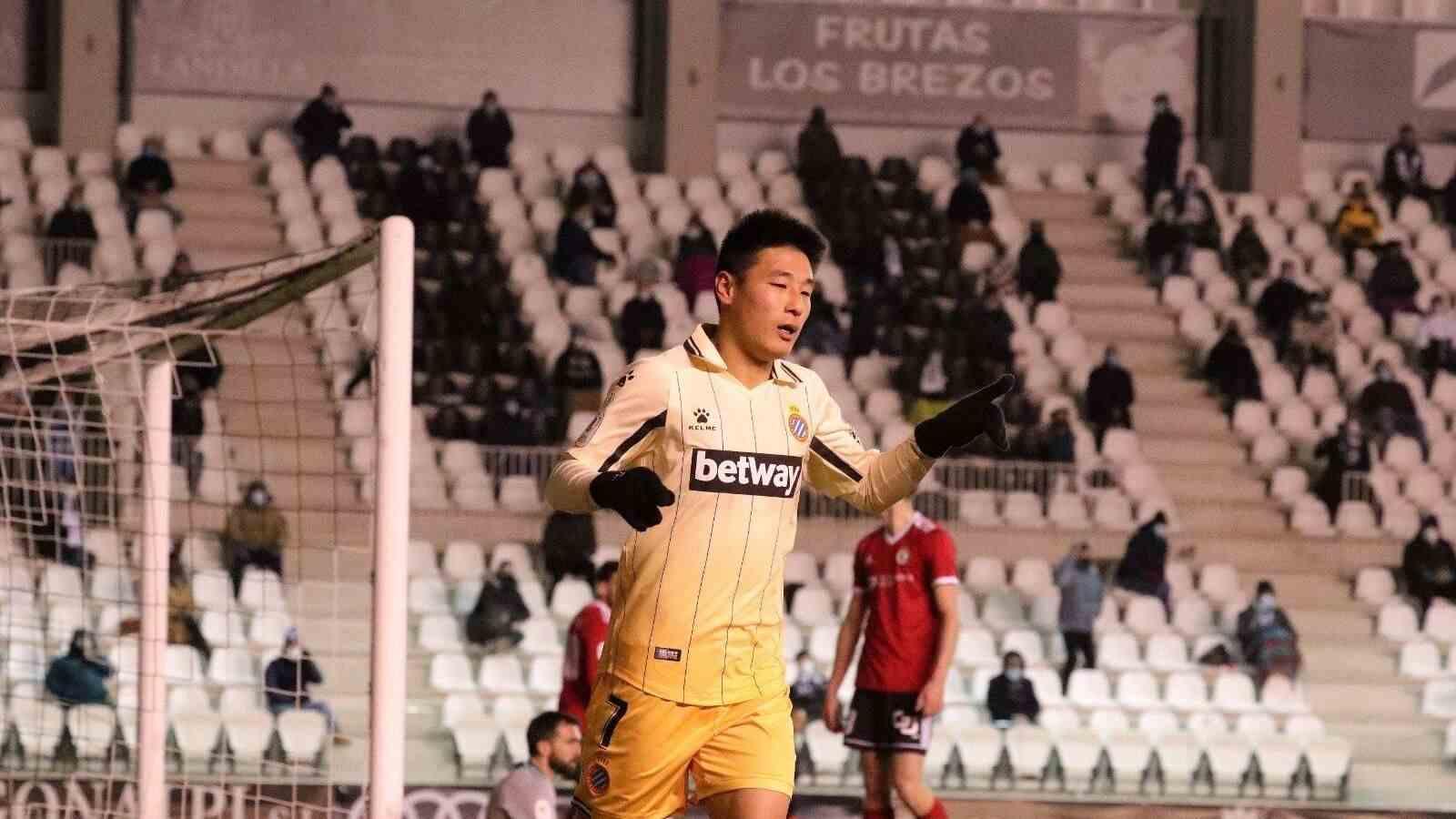 又吹上了?武磊好不容易打进一球 沪媒称他是亚洲球员的榜样!