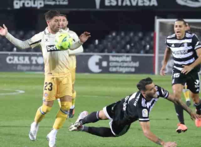西班牙人3-1逆转!武磊失单刀后被换下,队友连入3球打爆对手