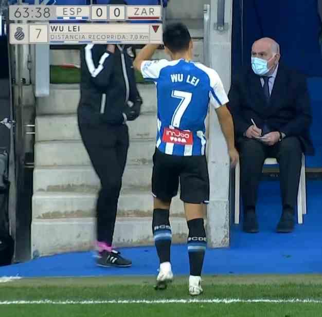 关键2-0!西班牙人近4轮首胜,与武磊无关:29岁国足球星黑脸下场