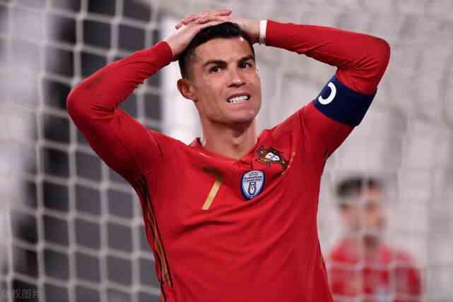 C罗哑火葡萄牙狂射31脚仅进1球 小胜弱旅夺取世欧预开门红