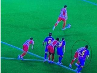 世体:在马德里竞技的第二次点球中,科雷亚提前进入禁区,应该重罚