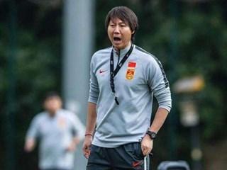 李铁:归化球员能增强国足整体实力,希望更多的规划球员加入
