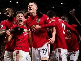 博格巴社交媒体庆祝曼联胜利:曼彻斯特是红色的
