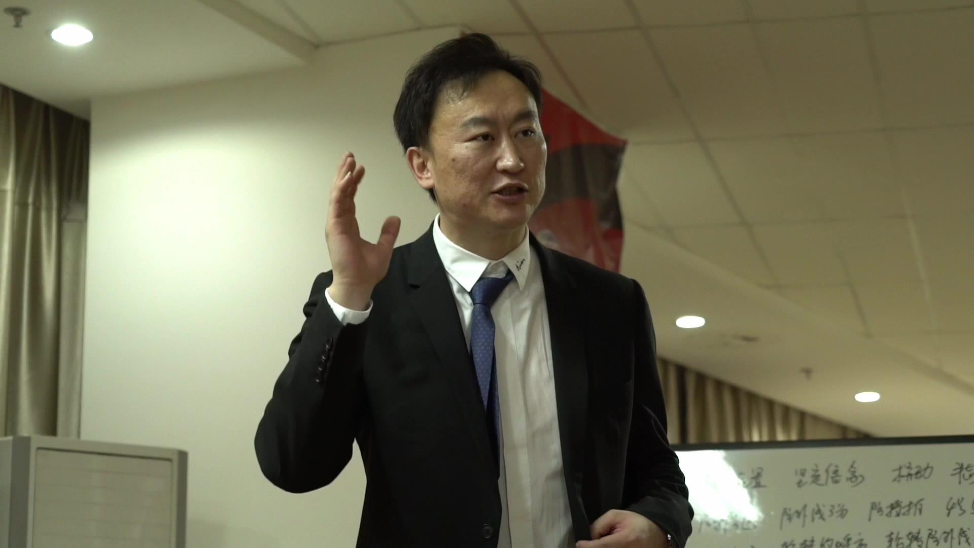 刘维伟更衣室激情演讲:你们创造了浙江男篮的历史