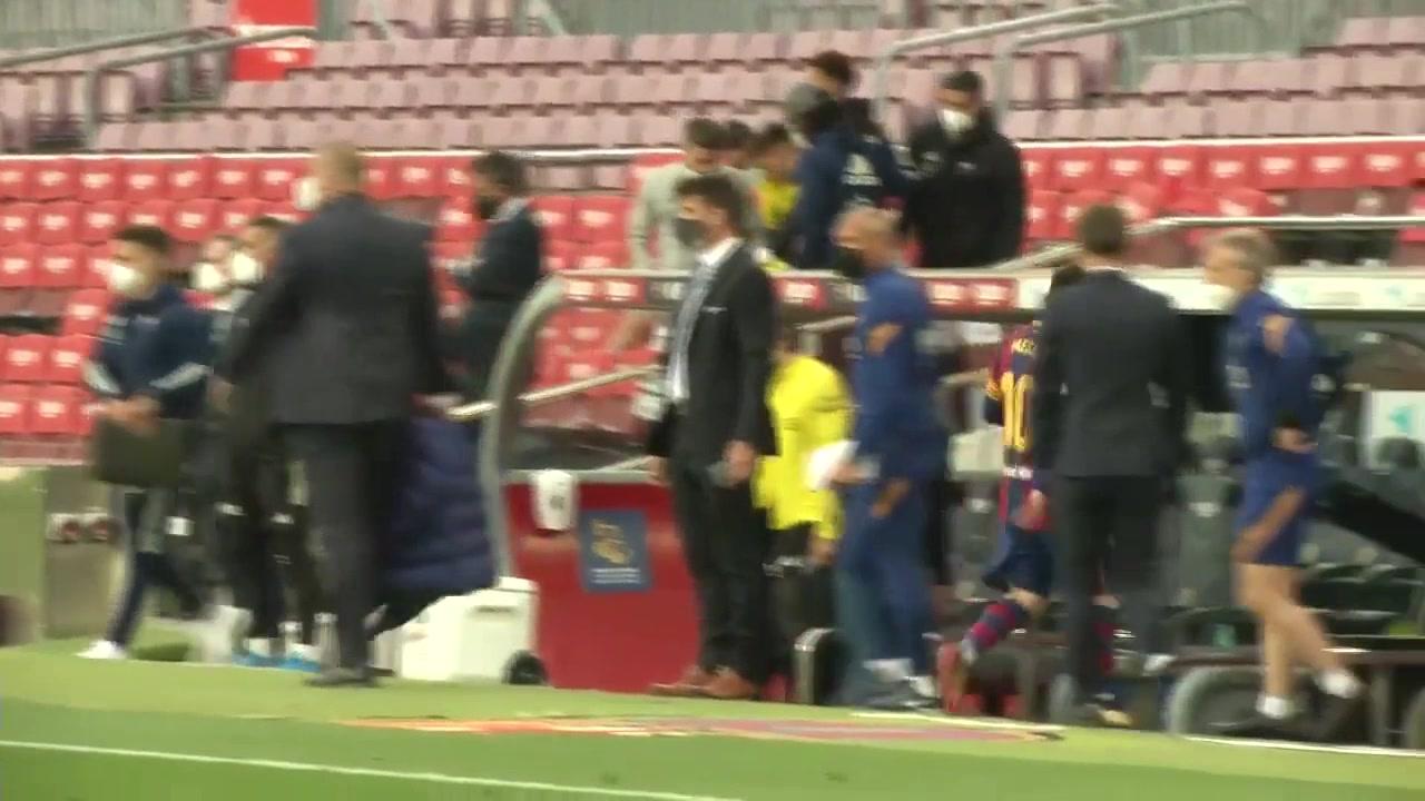 巨星待遇!赛后塞尔塔主帅叫停梅西送上拥抱