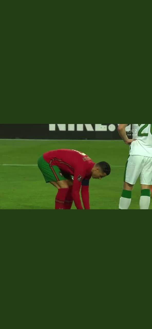将球踢走!爱尔兰球员比赛中挑衅C罗